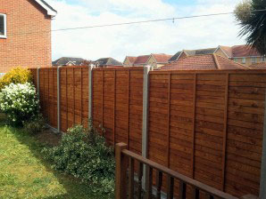 Standard panel with concrete posts & gravel board
